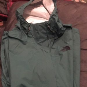 The north face women's xl dryvent raincoat. New